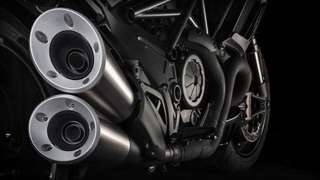 Focus_Diavel-Carbon_MY2016_Motore-Impianto-scarico_634x357_[634x357>