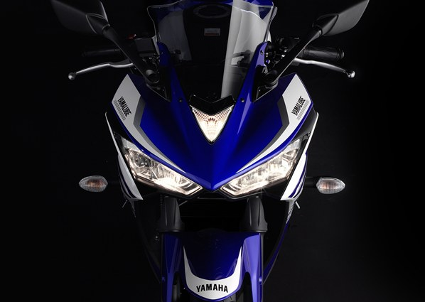 Yamaha-YZF-R25 (1)