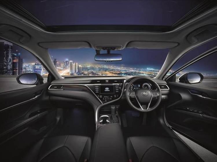 ภายในของ Toyota Camry 2019