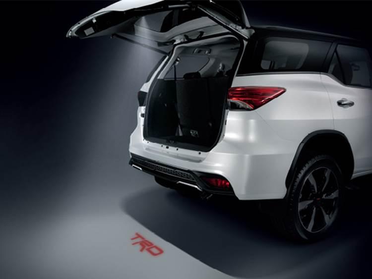 ภายนอกของ Toyota Fortuner TRD Sportivo 2019
