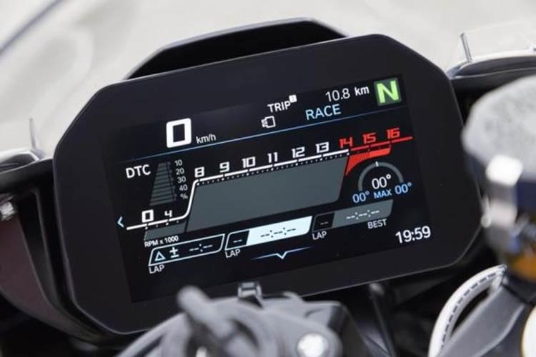 ภายนอกของ BMW S1000RR 2019