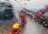 ขับรถขณะฝนตกควรปฏิบัติอย่างไรเพื่อความปลอดภัยและลดอุบัติเหตุ