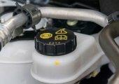 น้ำมันเบรกรถยนต์ ควรไหมที่ต้องเปลี่ยน?