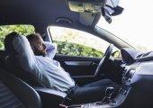 8 วิธีพิชิตความง่วง เมื่อต้องขับรถเดินทางไกล