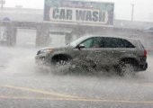 จะทำอย่างไร เมื่อต้องขับรถทั้งที่น้ำท่วมขัง?
