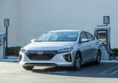 เปรียบเทียบ Hyundai Ioniq Electric 2019 กับ Toyota Prius Hybrid 2019 ใครจะน่าสนใจ