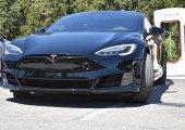 Tesla  เริมทะยอยอัพเดทเฟิมแวร์เวอร์ชั่นใหม่ในส่วนของ Autopilot รองรับการการขับขี่ด้วยตนเองเต็มรูปแบบ