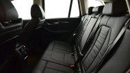 BMW X3 xDrive 20d xLine 2018 เพิ่มความหรูด้วยเบาะหนังแบบ Dakota โดยเบาะด้านหน้าปรับไฟฟ้า ส่วนด้านหลังปรับพับได้แบบ  40:20:40 พร้อมพนักพิงศีรษะปรับระดับได้ 3 ตำแหน่ง - 7