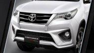 Toyota Fortuner 2018 ได้รับการติดตั้งกระจังหน้าสี Dark Chrome สุดโฉบเฉี่ยว พร้อมคิ้วขอบป้ายทะเบียนสี Dark Chrome  - 9