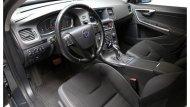 Volvo S60 D3 ให้ความสะดวกมากยิ่งขึ้นด้วยรีโมทคอนโทรลพร้อมฟังก์ชั่นการสื่อสารกับรถ ระบบควบคุมสภาวะอากาศอัตโนมัติ แยกอิสระ 2 โซน - 3