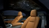Rolls-Royce Wraith Luminary Collection 2018 ได้รับการดีไซน์เพิ่มดวงดาวส่องแสงสุกสกาวในห้องโดยสารผ่านการทำงานของเส้นใยไฟเบอร์ออฟติคจำนวน 1,340 จุด - 7