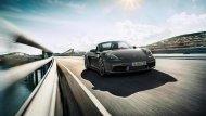 เส้นสายของการออกแบบยังคงยึดดีไซน์ที่เป็นเอกลักษณ์ดั้งเดิมของรถสปอร์ตจาก Porsche ที่มาพร้อมกับเครื่องยนต์ 4 สูบ นอนใหม่ พ่วงด้วยเทอร์โบ ขนาดความจุลดลงเหลือ 2.0 ลิตร ให้กำลังสูงสุด 300 แรงม้า และแรงบิด 380 นิวตันเมตร   - 2