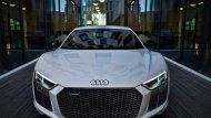 2017 Audi R8 V10 Plus มีการติดตั้งเครื่องยนต์เบนซินฉีดเชื้อเพลิงโดยตรง DOHC วี 10 สูบ 5,204 ซีซี  - 4