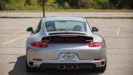 ข้อโดดเด่นที่ถือเป็นไฮไลท์ของ Porsche 911 Carrera 4 S ก็ไม่พ้นระบบขับเคลื่อน 4  ล้อ ที่ติดตั้งเข้ามาเป็นพิเศษที่ตอบสนองการขับขี่ที่สมบุกสมบันมากขึ้น - 4