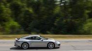 Porsche 911  Carrera 4S ถือว่าเป็นที่กล่าวถึงอย่างมากในเรื่องของความแรง และสมรถนะที่เหนือระดับ ด้วยจุดเด่นกับการขับเคลื่อน 4 ล้อ สามารถตอบสนองต่อการขับขี่ที่ดีที่สุด - 12