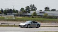 Porsche 911 Carrera 4  ใหม่มาพร้อมเครื่องยนต์สูบนอน  6 สอบ ขนาด  3.4  ลิตร ให้กำลัง  350  แรงม้า - 3