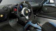 Lotus Exige Sport 410 มาพร้อมกับออพชั่นที่ให้คุณได้สัมผัสความเป็นรถสปอร์ต ด้วยพวงมาลัยหุ้มหนัง Alcantara, เบาะนั่งสไตล์สปอร์ตพร้อมครอบหลังคาร์บอนไฟเบอร์ ซึ่งวัสดุรองนั่งมีให้เลือกทั้งเบาะหุ้ม Alcantara ผสมหนัง หรือเบาะหนังล้วน และอีกมากมาย - 1