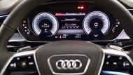มาตรวัดความเร็วเป็นแบบ Virtual Cockpit ขนาด 12.3 นิ้ว พร้อมระบบแสดงข้อมูลขับขี่บนกระจกหน้า มาพร้อมหน้าจอ MMI Navigation Plus with MMI Touch Response ขนาด 10.1 นิ้ว และจอควบคุมมัลติฟังก์ชั่นแบบสัมผัสขนาด 8.6 นิ้ว - 13