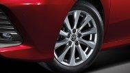 เสริมความเป็นรถเก๋งซีดานสไตล์สปอร์ตให้กับ All-new Toyota Camry 2019  ด้วยล้ออัลลอย 17 นิ้ว - 6