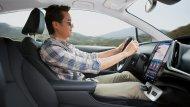 เบาะนั่งผู้ขับขี่ได้ออกแบบมาเพื่อรองรับสรีระของผู้ขับขี่ทำให้รู้สึกสบายตลอดการเดินทาง - 9