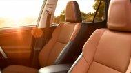 เบาะนั่งคู่หน้าออกแบบมาเพื่อรองรับสรีระของผู้ขับขี่และผู้โดยสารให้นั่งสบาย ไม่เมื่อยล้าตลอดการเดินทาง - 7