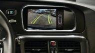 กล้องหลังช่วยในการถอยจอดโดยกล้องจะติดตั้งอยู่ที่ประตูหลัง ช่วยเพิ่มประสิทธิภาพในการจับภาพทำให้มองเห็นภาพด้านหลังรถขณะถอยหลังได้อย่างชัดเจนมากยิ่งขึ้น - 11