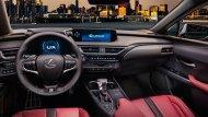 สำหรับจุดเด่นของ All-new Lexus UX 2019 ใหม่ (UX ย่อมาจาก Urban Crossover) คือดีไซน์ที่กล้าหาญ คาแรกเตอร์ชัดเจนและงานประกอบที่ประณีต สัดส่วนกะทัดรัด ไม่ใหญ่โตข้อนี้น่าจะดีกับการเป็นรถหรูคันแรกมาก ๆ - 5