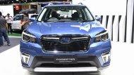 Subaru Forester 2019 ติดตั้งกระจังหน้าทรงหกเหลี่ยมตกแต่งด้วยคิ้วแบบโครเมี่ยม ไฟหน้าแบบโปรเจคเตอร์รวมไปถึงไฟเลี้ยวโฉมใหม่แบบ Steering Responsive Headlight  - 2