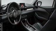 Mazda 6 2019 ตกแต่งภายในด้วยโทนสีดำ คอนโซลด้านหน้าตกแต่งด้วยหนังสีดำเย็บตะเข็บด้วยด้ายสีขาวพร้อมแถบโครเมียมอีกทั้งยังติดตั้งฟังก์ชั่นอำนวยความสะดวกเอาไว้อย่างครบครัน  - 7