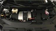 Lexus RX 450h ติดตั้งเครื่องยนต์ 2GR-FXS V6 Four Cam 24 วาล์ว Dual VVT-i ขนาด 3.5 ลิตร ให้กำลังสูงสุด 263 แรงม้า ที่ 6,000 รอบ/นาที แรงบิดสูงสุด 335 นิวตัน-เมตร ที่ 4,600 รอบ/นาที ทำงานร่วมกับมอเตอร์ไฟฟ้าที่มีแรงดันไฟฟ้าสูงสุดในระบบขนาด 650 โวลท์  - 7