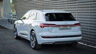 Audi e-tron 55 quattro เปิดราคาจำหน่าย 5,099,000 บาท ซึ่งทาง Audi ให้การรับประกันแบตเตอรี 8 ปี หรือ 160,000 กม. และตัวรถที่ 5 ปี - 10