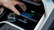 ช่องสำหรับ wireless charger บริเวณด้านล่างแผง Piano key - 7