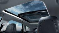 หลังคา Panoramic glass roof  มาพร้อมกับม่านบังแดดที่สามารถเลือกระดับได้ - 9