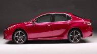 ช่วงล่าง Toyota Camry ได้รับการติดตั้งล้ออัลลอยที่มีให้เลือกถึง 3 รูปแบบ ได้แก่ ล้ออัลลอยขนาด 17 นิ้ว พร้อมยางขนาด 215/55 R17 , ล้ออัลลอยขนาด 18 นิ้ว พร้อมยางขนาด 235/45 R18 และ ล้ออัลลอยขนาด 16 นิ้ว พร้อมยางขนาด 205/65 R16 - 2
