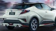 Toyota C-HR GT ที่มาพร้อมกับชุดแต่งที่ผลิตจำนวนจำกัดเพียง 1,000 ชุดเท่านั้น ประกอบด้วย สเกิร์ตหน้า, ดิฟฟิวเซอร์หลัง, สเกิร์ตข้าง (2 ชิ้น) และชุดตกแต่งกันชนหน้า (Front Garnish) และยังสามารถเลือกสีเดียวกับตัวรถได้อีกด้วย - 3