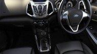 Ford Ecosport ได้รับการตกแต่งภายในอย่างประณีตด้วยโทนสีดำพร้อมมือจับประตูด้านในสีเงิน Silver Paint เพิ่มความสะดวกด้วยกระจกไฟฟ้าหน้า-หลัง พร้อมระบบเปิด-ปิดสัมผัสเดียวด้านคนขับ  - 5