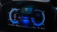 BMW i8 Roadster ได้รับการติดตั้งเทคโนโลยี BMW ConnectedDrive ให้ผู้ขับขี่สามารถเชื่อมต่อกับรถได้อย่างไร้ขีดจำกัด หน้าจอแสดงผลข้อมูลการขับขี่แบบ BMW Head-up Display - 7