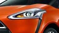 Toyota Sienta ได้รับการติดตั้งไฟหน้าแบบ Bi-Beam LED พร้อมไฟหรี่แบบ LED รวมถึงไฟส่องสว่างสำหรับการขับขี่กลางวัน DRL แบบ LED ที่ทำงานโดยอัตโนมัติ น้ำฝนด้านหน้าแบบหน่วงเวลาได้ กระจังหน้าตกแต่งด้วยโครเมี่ยม  - 5