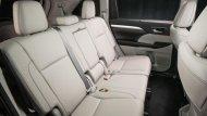 เพื่อเพิ่มพื้นที่  legroom ของที่นั่งแถวที่ 3   มีให้เลือกทั้งแบบ 7 ที่นั่งและ 8 ที่นั่ง มีพื้นที่เก็บสัมภาระ 450 ลิตรเ - 1
