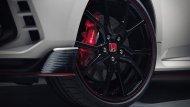 Honda ในฐานะผู้ร่วมสนับสนุน เพราะ Honda Civic Type R (FK8) ก็มีจำหน่ายในออสเตรเลีย ราคาอยู่ที่ 57,696 ดอลลาร์ หรือราว 1.3 ล้านบาท  - 7