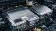 BYD E6 ติดตั้งมอเตอร์ไฟฟ้าแบบ AC Synchronous Motor ให้กำลังสูงสุด 134 แรงม้า (HP) แรงบิดสูงสุด 450 นิวตัน-เมตร ประสานการทำงานร่วมกับแบตเตอรี่ลิเธียม-ไอออน ขนาด 80 กิโลวัตต์/ชั่วโมง สามารถสร้างอัตราความเร็วสูงสุดได้มากถึง 149 กิโลเมตร/ชั่วโมง  - 3
