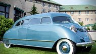 Stout Scarab คือรถ MPV รุ่นแรกของโลกที่ถูกผลิตจำหน่าย โดยผู้ผลิตรถยนต์อเมริกัน Stout Motor Car Company ทางฝั่งดีทรอยต์ ซึ่งโปรเจกต์ Stout Scarab เกิดขึ้นตั้งแต่ยุคก่อนสงครามโลกครั้งที่ 2 แม้ก่อนหน้าในปี 1933 จะมี Dymaxion car - 6