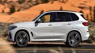 BMW X5 xDrive30d M Sport ติดตั้งกระจังหน้าแบบ Kidney Grille มีครีบเปิด-ปิดแบบแอคทีฟขนาดใหญ่ ติดตั้งไฟหน้าแบบ Adaptive LED สามารถปรับองศาได้ตามการหักเลี้ยวของพวงมาลัยและปรับระดับไฟสูงอัตโนมัติ ด้านบนติดตั้งราวหลังคาสีดำเงา  - 4