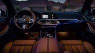 BMW X5 xDrive30d M Sport มอบความหรูหราในทุกทริปการเดินทางผ่านการตกแต่งภายในด้วยลายไม้ Finneline Stripe สีน้ำตาลเงา เบาะนั่งแบบสปอร์ตสำหรับคนขับและผู้โดยสารด้านหน้าหุ้มด้วยหนัง Vernasca สีดำตกแต่งด้วยด้ายเดินตะเข็บสุดหรู  - 6