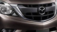 Mazda BT-50 PRO Double Cab Hi-Racer ได้รับการตกแต่งภายนอกอย่างโฉบเฉี่ยวด้วยกระจังหน้าแบบโครเมียมผสานกับการติดตั้งไฟหน้าแบบโปรเจคเตอร์ LED พร้อมระบบเปิด-ปิดไฟหน้าอัตโนมัติ  - 2