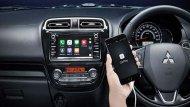 Mitsubishi Mirage ให้ความบันเทิงผ่านหน้าจอแบบทัชสกรีนขนาด 6.5 นิ้ว รองรับการเล่น DVD/MP3 เชื่อมต่อสมาร์ทโฟนผ่านฟังก์ชั่น Apple Car Play ฟีเจอร์สั่งงานผ่านเสียงแบบ Siri และช่องเสียบ USB/AUX พร้อมช่องชาร์จไฟขนาด 12V - 8