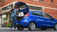 ห้องเก็บสัมภาระด้านหลัง Ford Fiesta 2019 รุ่นแฮทช์แบ็ค 5 ประตู  สามารถบรรจุสัมภาระได้  14.9  ลูกบาศก์ฟุต ส่วนเบาะหลังสามารถปรับพับได้แบบ 60/40 สามารถเพิ่มพื้นที่เก็บสัมภาระได้มากถึง 25.4 ลูกบาศก์ฟุต - 7