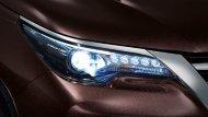 ไฟหน้า Bi-Beam LED  สร้างความโดดเด่นให้กับ New Toyota Fortuner 2.4 G ด้วยไฟ LED โปรเจคเตอร์ ที่เพิ่มแสงส่องสว่างให้เจิดจรัสเหนือใคร - 5