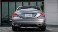 ด้านหลัง Mercedes-Benz C 300 e Avantgarde ได้รับการติดตั้งไฟท้ายแบบ LED ไฟเบรกดวงที่ 3 แบบ LED ท่อไอเสียแบบคู่ - 5