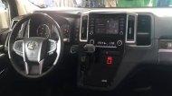 Toyota Granvia 2020 เพิ่มความสะดวกสบายให้แก่ผู้ขับขี่ผ่านประตูสไลด์ไฟฟ้าในทั้ง 2 ด้านพร้อมปุ่มควบคุมที่ตำแหน่งคนขับ หน้าจอระบบสัมผัสพร้อมปุ่มควบคุมเครื่องเสียงที่พวงมาลัย ช่องเสียบ USB จำนวน 4 ช่อง และ ติดตั้งลำโพงมาให้จำนวน 12 จุดรอบห้องโดยสาร - 4